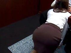 Office hoe Ibuki gives head