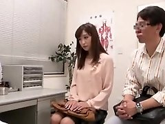Japanese couple going to fertility medical center