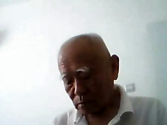 Converse with  chinese older couple