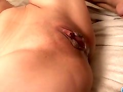 Aoi Yuuki mouths cock and then smashes hard