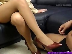 Yuuko Imai touches shaft with soles in shoes