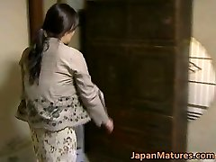 Japanese Cougar has horny sex free jav