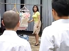 Ht mature mother humps her son's best homie