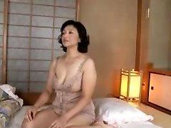 Mature skank gets boinked in Japanese adult porn video