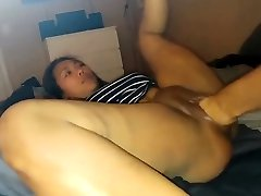 Asian stunner gets fisted