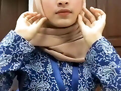 Hot Cool Malay Hijab