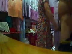 The curtain shop auntie Flashing (2)