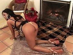 WANKZ- Priya Rai Climaxes Using Dildo