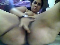 Floppy udders indian woman masturbates