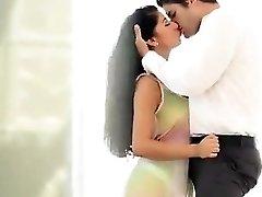 Hot Romantic fuckin' sex of a Delhi escorts fabulous Vip girl