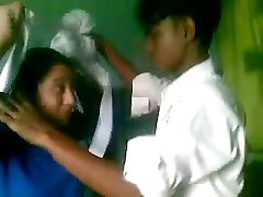 DESI COLLEGE Schoolgirls FUCKING INSIDE CLASS