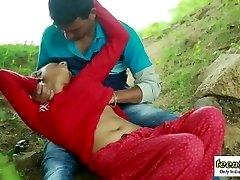 desi indijski djevojka romantičan seks na otvorenom džungle - teen99