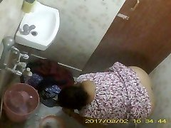 Bbw Mature Indian Bengali Milf Rina Washing In Douche