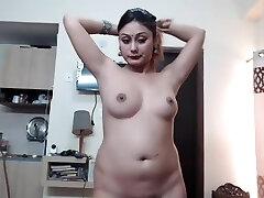 Desi Indian Girl Show Boobs On Cam