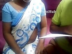 Sri lankan teacher with her schoolgirl having romp & messy talks ක්ලාස් ආපු කොල්ලත් එක්ක ටීචර් ගත්තු සැප