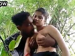 desi girl sexo al aire libre