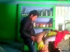 Desi married bhabhi salma cheating with neighbor boyfriend mms kissing