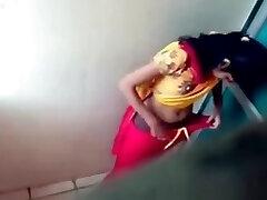 India baño público videos