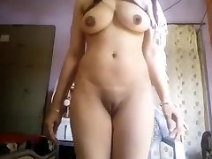 Super Molten Big Boobs Desi Girl Nude Selfie