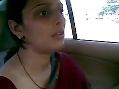 desi aunty fucking with her bf in car blow-job joy