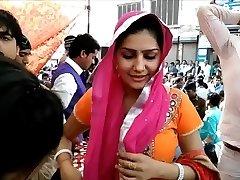 Bhabhi on Street - NON Bare