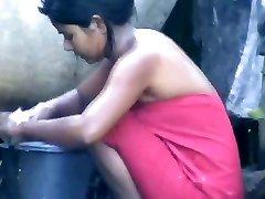 wow... unbelievable desi village woman bathing outside