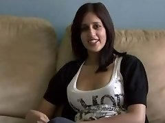 Pakistani Zarina Masood Inhales Smashes and Facialed