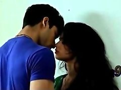 Indian cute brother sista romentic smooch - teen99