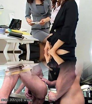 Lesbischer Boss verführt Sekretärin