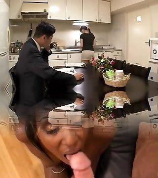 Japanische Ehefrau Massage Cuckold