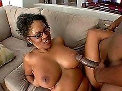 sexy lustious ebony mom fucking black dude