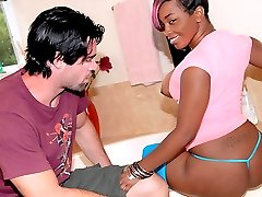 Bootylicious ebony babe roxanne gets her mega ass picked up at the mall in these hot reality...