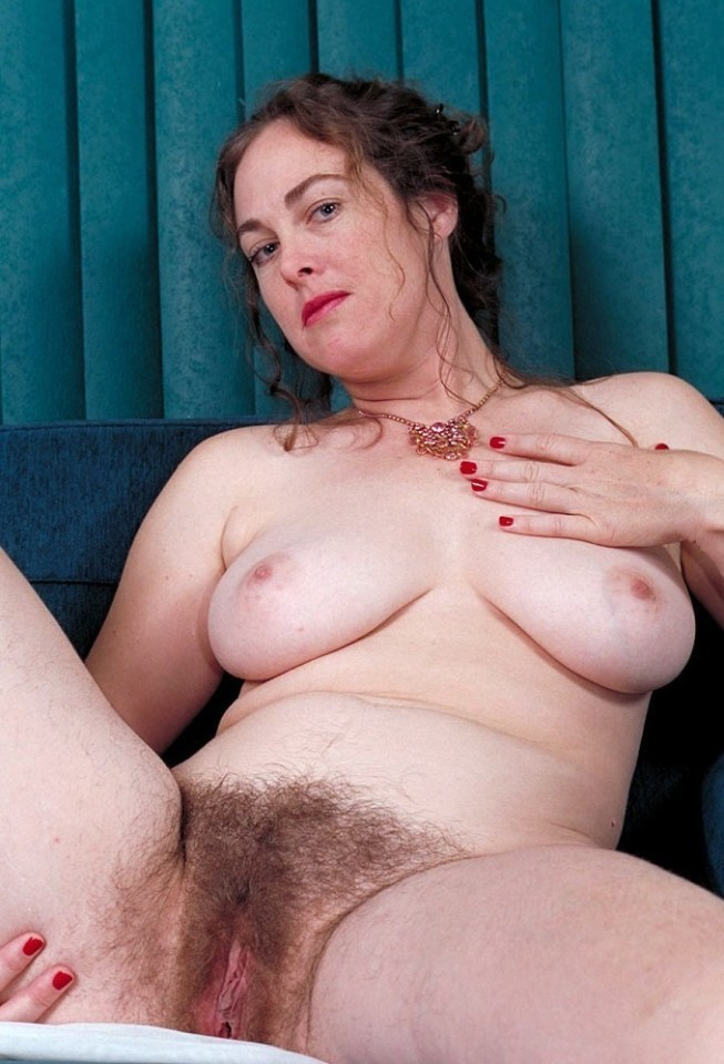 Pictures hairy mom Moms Plays