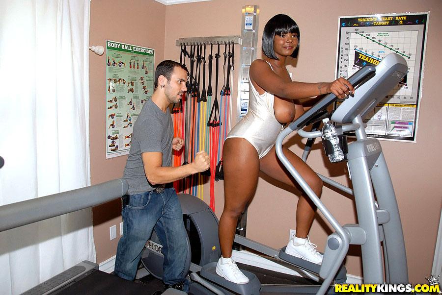 Fitness Ass Porno