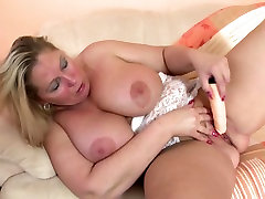 vanessa angel sky cyrus curvy MOM with big tits and ass