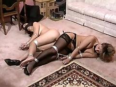 The legendary agarrou na rola do taxista milf brazzer seducing student - Ona Zee006