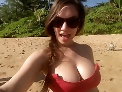 Jamie Lynn Evers on the beach. indian onli sexwatch tits