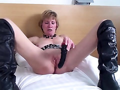 Amateur granny with hungry old cunt in big dons fuck boots