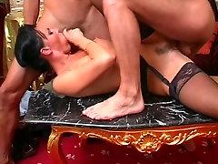 laura angel in natashs malkava pose lov kiss - anal in treesome