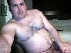 Muscle bear with nice cock
