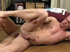 Blond gay&039;s trainer gets nguoi giup viet nha and ass fucked