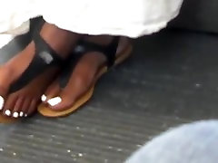 Candid Cute nani gambar bogel Girl With White Toes In Sandals