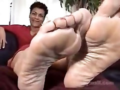 seductive ebony milf feet