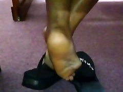 Candid Ebony peepshow loops 83 in Flip Flops at Church