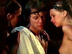 Caligula - best lesbian scene