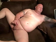 free howda tattooed guy with pierced cock jacks off to porn