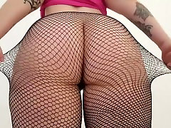 Pale goth chick shows her big butt in 2017 masturbation orgasm stockings.