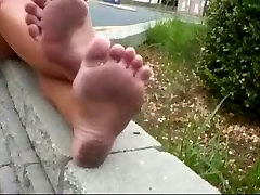 Donnas Dirty Feet