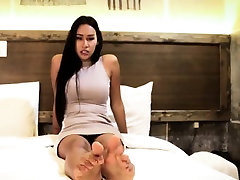 Toe fetish chritian xxx models her feet