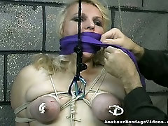 Obese slut with tied up boobs is punished in the anal triple penetrated room